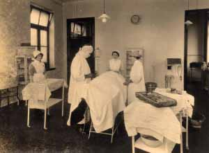 surgical operation, c.1900s