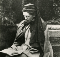 photograph of Mary Lily Walker from University of Dundee Archive Services