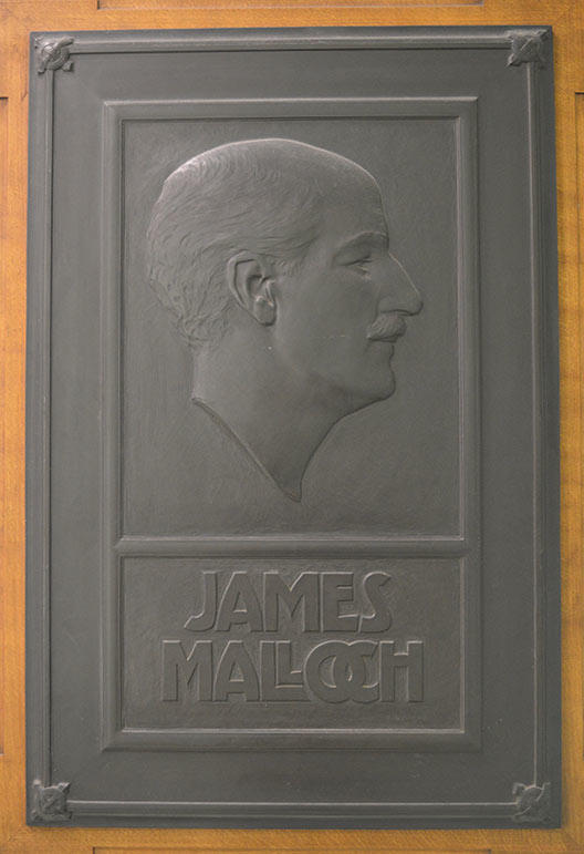 A bronze relief of James Malloch by William Lamb, © University of Dundee Museum Services